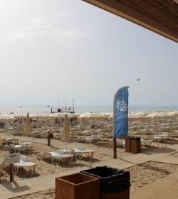 2 Spiaggia E Piscina